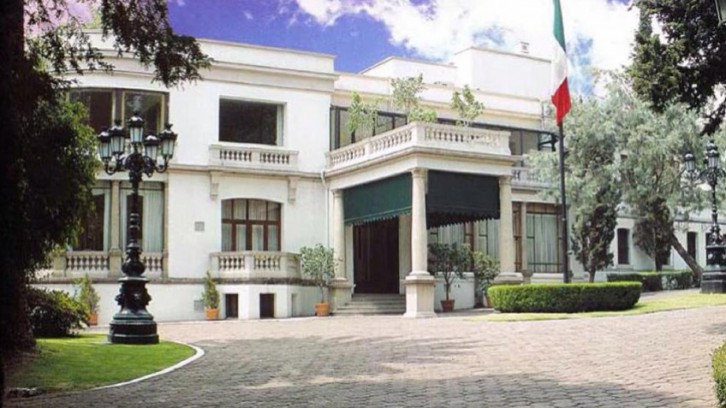 Los Pinos Official Presidential Residence