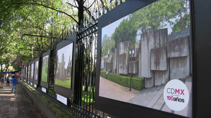 Open Gallery in the bars of the Chapultepec Forest