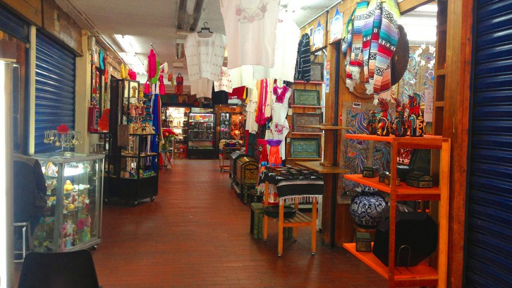 San Juan Crafts and Curiosities Market